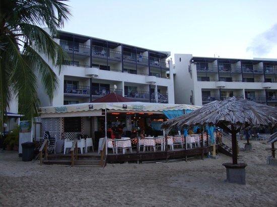 Flamingo Beach Resort: Restaurant on property