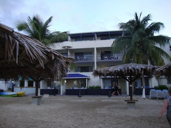 Flamingo Beach Resort: View of our room from beach