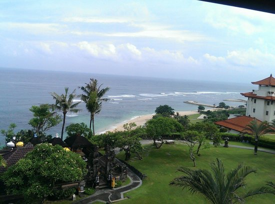 Hilton Bali Resort : View from hotel room. The beach is very nice and clear.