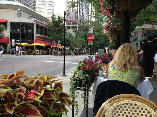 Gibsons Bar & Steakhouse: Patio Seating at Gibsons