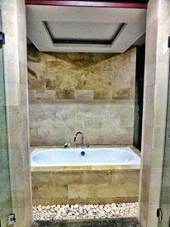 Umae Villa: Outdoor Bath