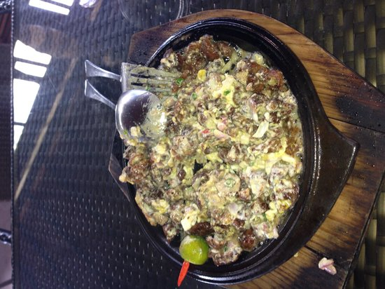 barLO Resto Lounge: Oyter's Sisig - must try