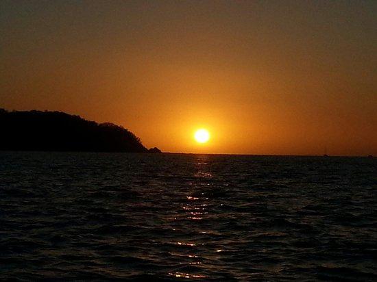 Surfari del Mar - Day Tours: Sunset near Potrero