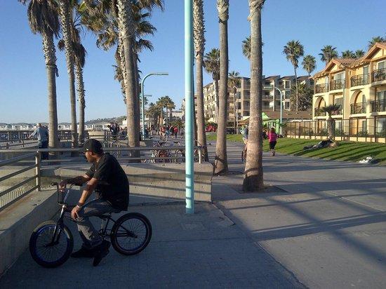 Ocean Park Inn: boardwalk