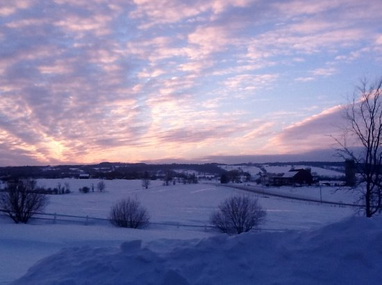 Mountain Ash Farm: Beauty in Winter Sunsets