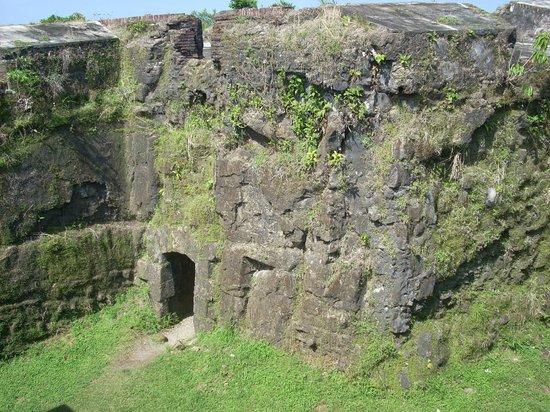 Barefoot Panama: Fort San Lorenzo