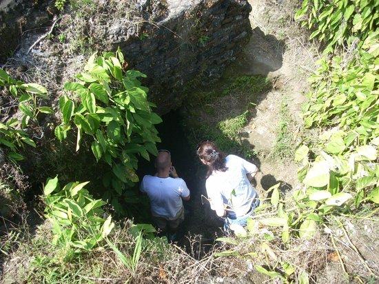 Barefoot Panama: Exploring a cavern in Fort San Lorenzo