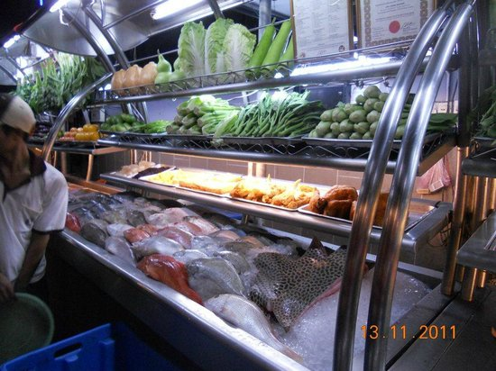 Ling Loong Seafood : Lots of Fresh seafood to choose