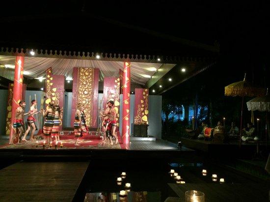 Borei Angkor Resort & Spa: Apsara dance concert & dinner