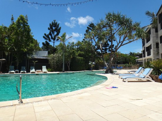 Noosa Blue Resort : Pool and cafe area
