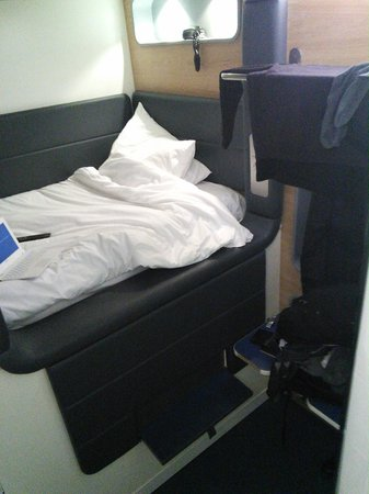 YOTELAIR London Heathrow Airport: small but comfortable