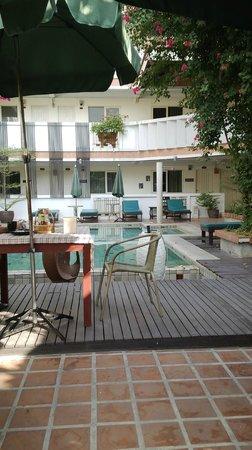 Nantra de Boutique : swimming pool-very small