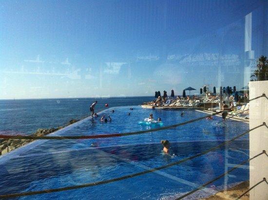 Marina Suites : pool