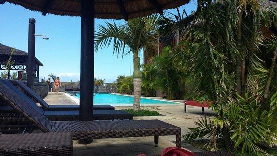 Iloha Seaview Hotel : Vu piscine