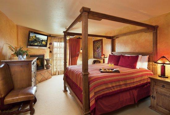 Avila La Fonda Hotel: Owners Suite Master bedroom