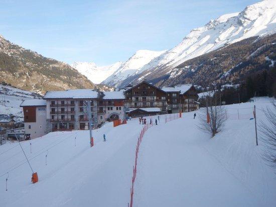 Hôtel Club mmv Val Cenis : Hôtel vu de la piste