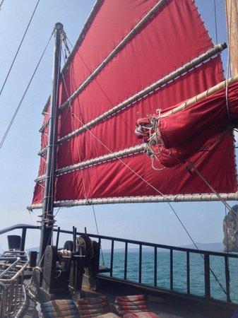 Krabi Sunset Cruises : Lovely boat..