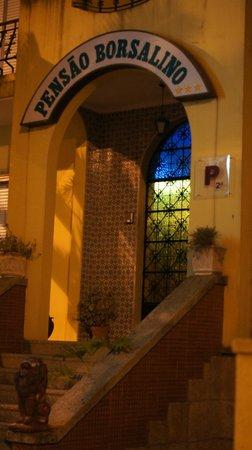 Residencial Borsalino : Парадный вход в отель