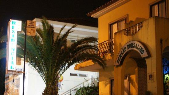 Residencial Borsalino: Вид на отель с улицы