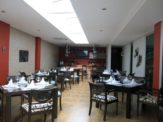 Hotel Egina Medellin : hotel Egina breakfast lounge