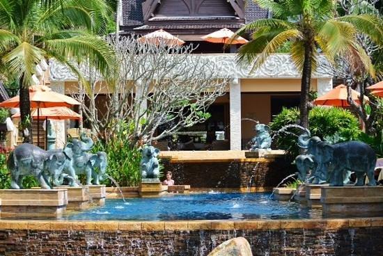 Amari Vogue Krabi : main pool area