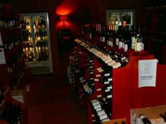 Remi de Provence: The wine shop inside the restaurant