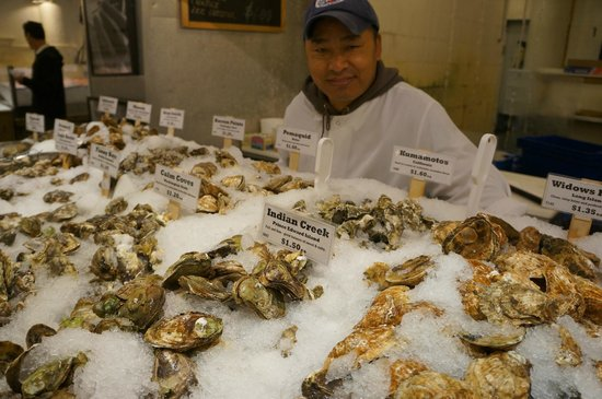 The Lobster Place: Good Choice of Oysters