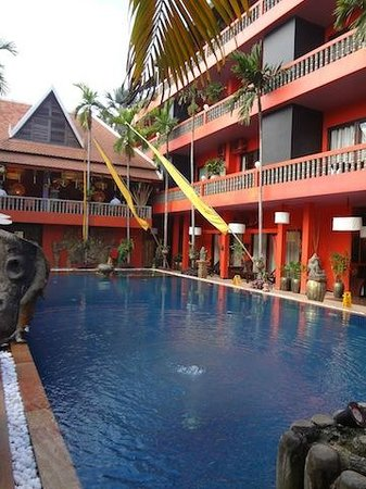 Golden Temple Hotel: Pool