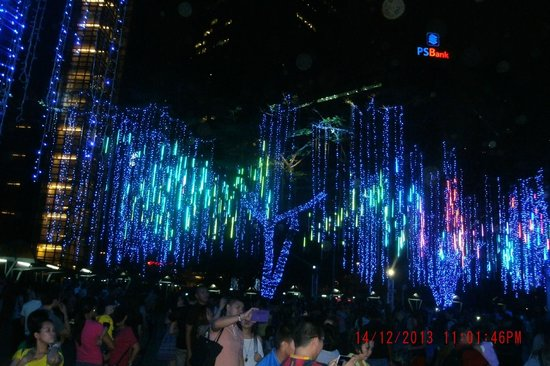 Ayala Triangle Gardens: Great light display!