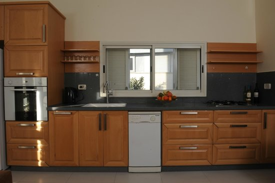 Yarden Sea Side Apartments: The kitchen - Yarden Sea Side