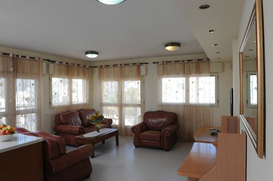 Yarden Sea Side Apartments: the Lounge - Yarden Sea Side