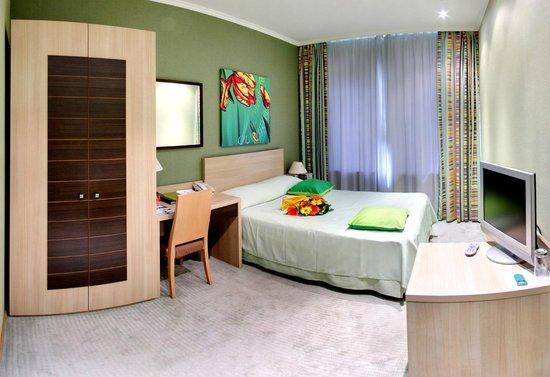 NasHotel: Cozy room