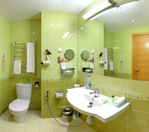 NasHotel: Pistachio Green Bathroom