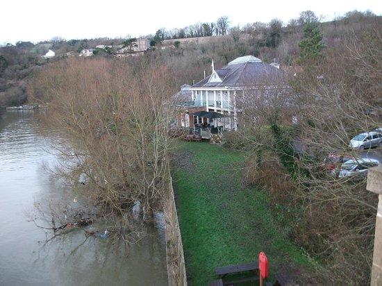 The Boathouse: Riverside setting