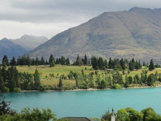 Pounamu Apartments : lake and mountains view