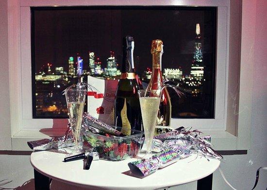 H10 London Waterloo : Værelses picnic, nytårs aften.