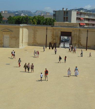 Parc Borély : cour arriere du chateau