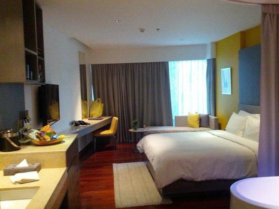 LiT BANGKOK Hotel: View of room standing at the door