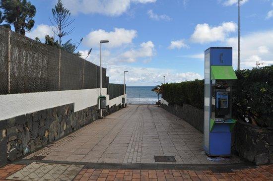 Apartamentos Patricia: acces a la plage