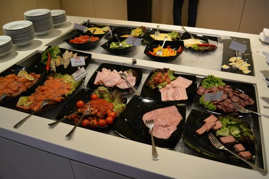 Thon Hotel Kirkenes: part of the breakfast selection