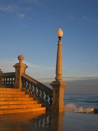Hotel Subur Maritim: Sant Bartomeu i Santa Tecla steps