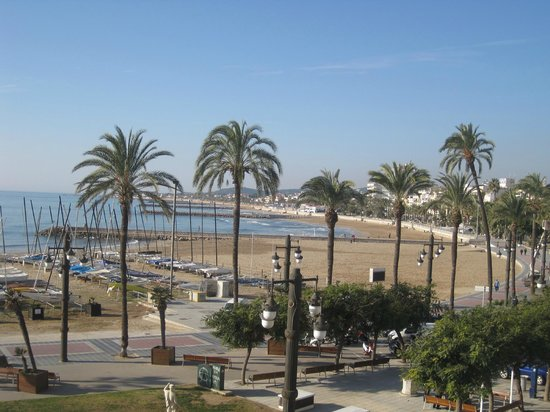 Hotel Subur Maritim: The main Sitges beach