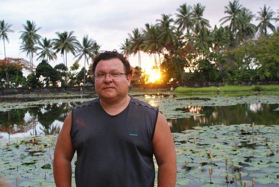 Villarossa: Я на озере лотосов в Чандидасе.