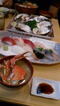 Maruten Uogashi: 近海にぎり&カキ