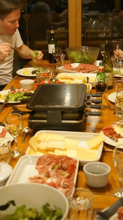 Chalet Les Trois Canards : Raclette Night in the Chalet!