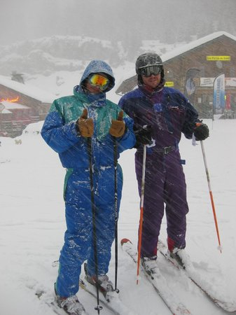 Chalet Les Trois Canards : Adam & James in a Retro Onesy!