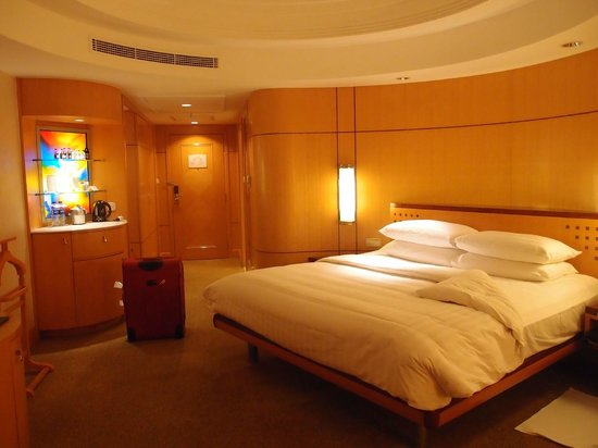 Makati Shangri-La Manila: Big room