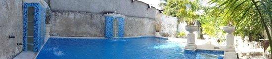 The Villa Tievoli: pool