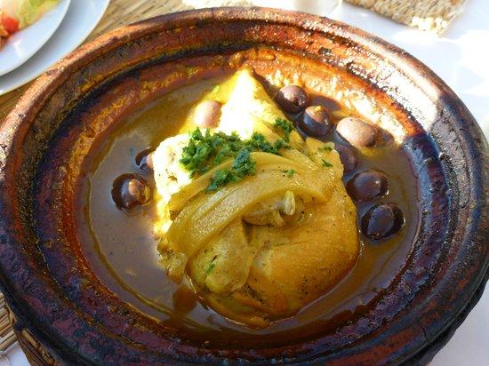 Hôtel Dar Sabra Marrakech : Tajine au citron déjeuner en ville.