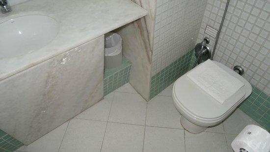 Augusto's Rio Copa Hotel : Номер Deluxe - ванная